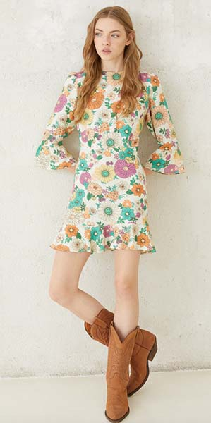 María Pombo ya tiene el nuevo vestido boho que tú llevarás con las botas más importantes del otoño